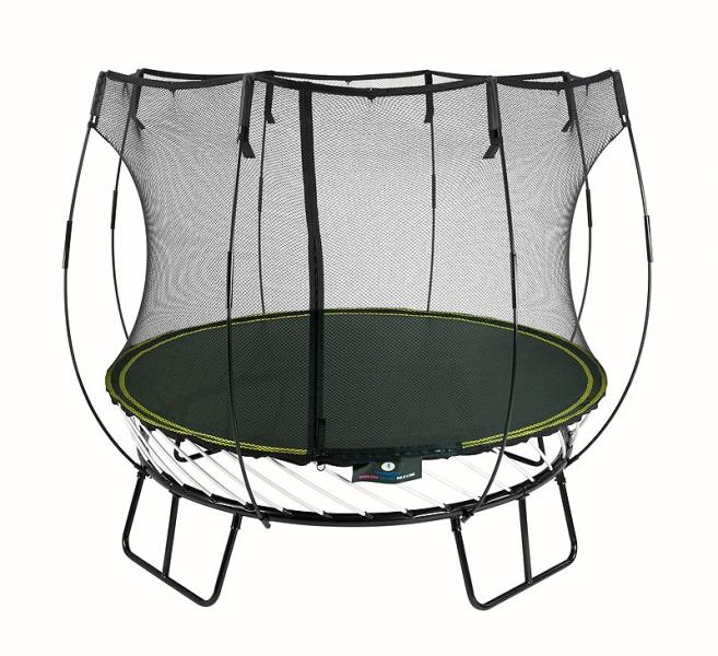 Díky bezpečné trampolíně je skákání zábavou bez rizika zranění