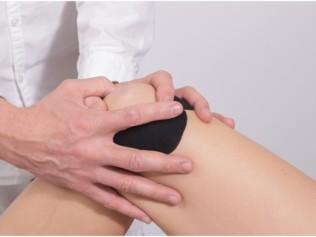 Předcházejte nošení ortézy a operacím kolene. I pro aktivní sportovce je prevence základ
