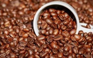 Kofein dokáže v období těhotenství a kojení napáchat neplechu. Jaké množství je bezpečné pro těhotné ženy?