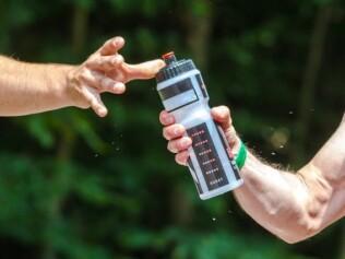 K jakým účelům může sloužit láhev na vodu?