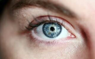 Barevné kontaktní čočky: 3 tipy pro úplné začátečníky
